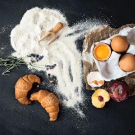 mąka jajka owoce rogaliki